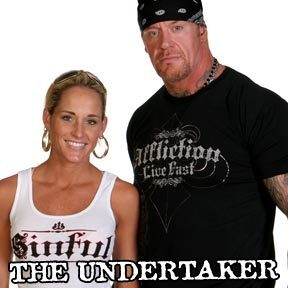Michelle-and-the-Undertaker-michelle-mccool-8430370-288-288