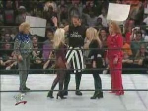 eDZ6MWo3MTI=_o_the-kat-vs-terri-runnels-wrestlemania-2000