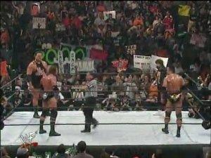 eGtud3lpMTI=_o_wrestlemania-2000-triple-h-vs-the-rock-vs-mick-foley-vs-