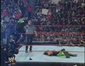shane-mcmahon-vs-x-pac-with-chyna
