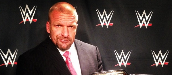 Triple H con el nuevo WWE World Heavyweight Championship