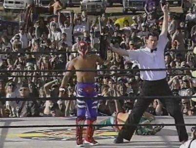 Rey Mysterio Jr retiene el WCW Cruiserweight Championship